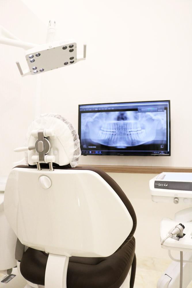 診療室とモニター